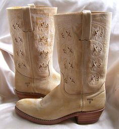 I don't love a lot of cowboy boots, but these are adorable!
