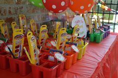 Art/Painting birthday party ideas photo 22 of 48 catch my party tristen&apo Art Birthday, 6th Birthday Parties, Birthday Ideas, Kid Party Favors, Party Gifts, Kunst Party, Art Themed Party, Festa Party, Party Party