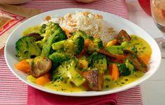 Gemüsecurry auf Basmatireis - Bringen Sie Ihren Körper ins Gleichgewicht mit der TCM Ernährung. Sie orientiert sich an den fünf Elementen und hilft Ihnen dabei, Ihre Körperenergien auszubalancieren.