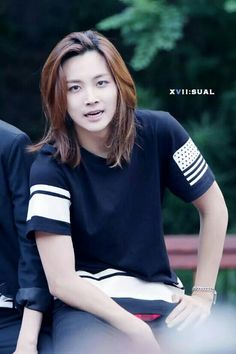 Jeonghan... I want him to be my bf so I can play with his hair lol also bc he's a gorgeous angel