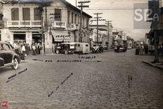 foto de um acidente entre um bonde e um ônibus em 1940.