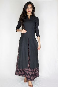 doesn't this look elegant . Long split tunic over ankle-length dress or skirt Pakistani Dresses, Indian Dresses, Indian Outfits, Designer Kurtis, Designer Dresses, Indian Attire, Indian Wear, Ethnic Fashion, Asian Fashion