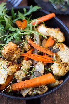 Die Röstgemüse Bowl ist super schnell vorbereitet und kommt garantiert gut an - Kochkarussell.com