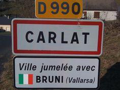 Panneaux insolites ou drôles celui la n'est que pour les français