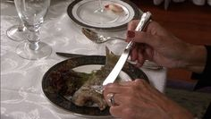 Basic Dining Etiquette - Eating Difficult Foods