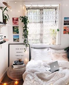 88 cute dorm room decorating ideas on a budget 72 Dorm Room Decor Ideas Budget Cute Decorating dorm ideas room Dorm Room Walls, Cute Dorm Rooms, Room Wall Decor, Bedroom Decor, Bedroom Modern, Bedroom Lighting, Bedroom Fairy Lights, Fairylights Bedroom, Urban Bedroom
