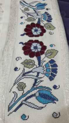 Crewel Embroidery Patterns Embroidery Miami Embroidery Designs For Kitchen Towels Learn Embroidery, Crewel Embroidery, Embroidery Patterns, Seed Stitch, Cross Stitch, Crochet Yarn, Crochet Hooks, Boarder Designs, Scrappy Quilts