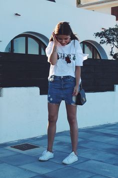 Denim skirt, white tshirt, sneakers and maxi earrings look #styleinspiration #moda #fashion #fashionblogger #style