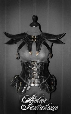 """It would be awesome if we could put together a shoulder piece like this. It would be like a """"battle shrug"""""""