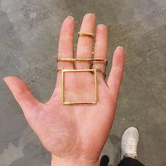 Nieuwe sieraden van Studio JUX binnen 🙌 #newin #jewelry #barnecklace #brass #simplicity #lessismore #fairmade #fairtrade #KOKOTOKO #buyhappystuff #oosterstraat #groningen #050 Photo And Video, Studio, Videos, Instagram, Studios