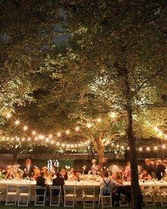 Casamentos ao ar livre são tão incríveis.    #luzinhas #wedding #casamento #iluminação #weddinglights
