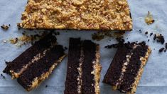 German Chocolate, Chocolate Cake, Cake Recipes, Dessert Recipes, Desserts, New Recipes, Coconut Icing, American Cake, Baking Tins