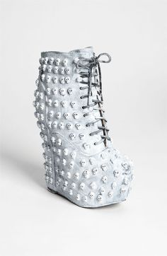 *LOOKING* for Jeffrey Campbell Damsel Skull! If anyone have these for sale I need a size Jeffrey Campbell Shoes Ugly Shoes, Cute Shoes, Me Too Shoes, Fancy Shoes, Dream Shoes, Crazy Shoes, Skull Fashion, Fashion Shoes, Girl Fashion