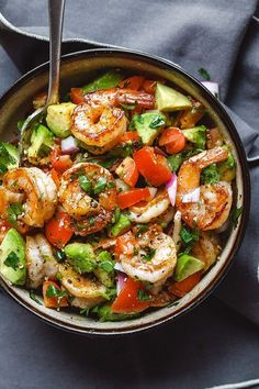 Shrimp and Avocado Salad – Fresh, easy, and filling! This healthy salad for two … Shrimp and Avocado Salad – Fresh, easy, and filling! This healthy salad for two tastes crazy good and is loaded with the freshest ingredients! Healthy Meal Prep, Healthy Dinner Recipes, Diet Recipes, Healthy Eating, Cooking Recipes, Keto Meal, Cooking Games, Healthy Salads, Healthy Drinks