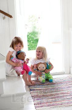 Ekstra tøj til Rubens Baby dukken Erik finder du på Legebyen.dk. Han måler 45 cm og vejer 700 gram. Tøjet kan skiftes og vaskes. #RubensBarn #RubensBaby #RubensNils #RubensNora #Legebyen #LegebyenDK #Rubens #Swedishtoys #RubensAccessories