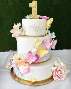 Butterflies Cake Watercolor Cake Instagram de @delicatessepostres • 203 Me gusta Butterfly Cakes, Butterflies, Watercolor Cake, Instagram Posts, Desserts, Food, Kitchen, Party, Deserts