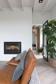 Woonhuis Wesepe - Regge Tegels & Vloeren Home Living Room, Home, Contemporary Kitchen Design, Furniture Sets Design, House Interior, Apartment Decor, Home Deco, Interior Design, Home And Living