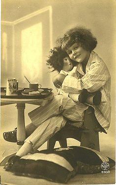 https://flic.kr/p/3d8FnZ | Vintage Postcard ~ Little Girl w/Doll