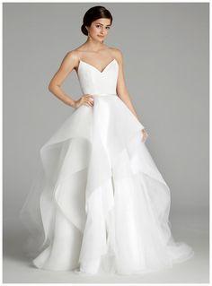 Wedding dress by Alvina Valenta from the Fall 2016 collection. Image courtesy of JLM/Alvina Valenta.