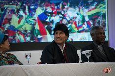 """Evo Morales se hizo presente en el Encuentro de Mujeres """"Bartolina Sisa"""" y sostuvo que los logros en materia de igualdad de género son gracias a su gobierno . Sin embargo, su gestión se ha caracterizado por una política machista y homofóbica."""