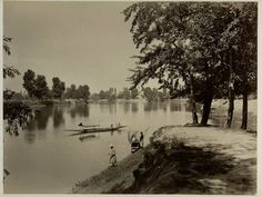 Boat in the Lake of Srinagar, Kashmir - c1870's