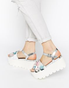 #6 super simple design flatform sandal The most perfect summer flat forms everrrrrr. http://asos.do/8MqFf3