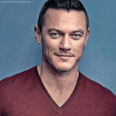 """33 mentions J'aime, 2 commentaires - Sarah (@luuuuuke_evans) sur Instagram : """"#LukeEvans photographed by Art Steiber, from the cover of Телескоп (Ukraine) issue №12, 2017.…"""""""