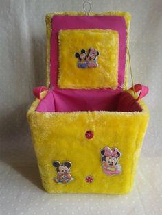 baúl un amarillo y rosa http://cajas-enteladas.jimdo.com/cajas-para-ni%C3%B1os/ #handmade