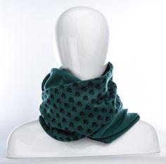 Foulard infini vert à fleurs noires et vert / longue écharpe par Annie 50
