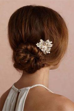 Coque baixo no seu penteado de festa: 20 opções elegantes e lindas! Image: 1