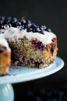 Blueberry, Lemon & Almond Cake: vegan & gluten free| http://www.greenkitchenstories.com/blueberry-lemon-almond-cake/