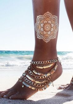 Add a touch of boho to your summer outfit with this gold paillette boho anklet. With gold sequins embellishment, lobster closure and is made of base metal. | Lookbook Store Bohemian Fashion