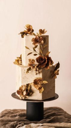 Wedding Cake Recipes 86636 The 50 Most Beautiful Wedding Cakes, wedding cake ideas, pretty wedding cake Pretty Wedding Cakes, Black Wedding Cakes, Floral Wedding Cakes, Elegant Wedding Cakes, Elegant Cakes, Wedding Cake Designs, Wedding Cupcakes, Cake Wedding, Wedding Desserts