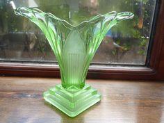 "Art Deco 1930s Walther & Sohne Uranium Glass ""GRETA"" Vase |"