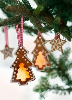 Get inspired by beautiful traditional and contemporary Christmas trees. Try something different this holiday season! Christmas Cookie Recipe Books, Best Christmas Cookies, Christmas Gingerbread, Christmas Holidays, Country Christmas, Merry Christmas, Gingerbread Decorations, Christmas Tree Decorations, Christmas Wreaths