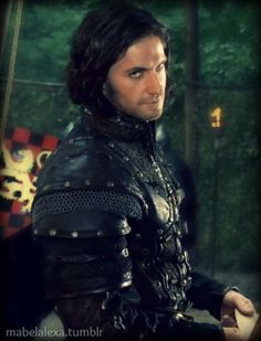 Sir Guy and *that look*..... (Richard Armitage)