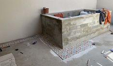 Auto-construction piscine pas cher : voici un bassin qui coûte 1 500 € Piscine Diy, Rooftop, Storage Chest, New Homes, Relax, Projects, Voici, House, Furniture