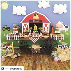 Inspiração no Tema Fazendinha! with ・・・ Amazing farm set up for our little Liam🐮🐷🐴🐤😍 fazendinha Farmer Birthday Party, Horse Birthday Parties, 2nd Birthday Party Themes, Cowboy Birthday, Farm Animal Party, Farm Animal Birthday, Barnyard Party, Farm Party, Cowboy Theme Party