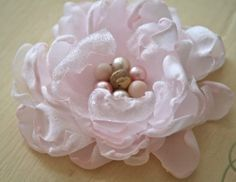 Gorgeous DIY Fabric flowers!  This has got to be the easiest flower diy I have ever seen.  Amazing and beautiful--WOW!!!