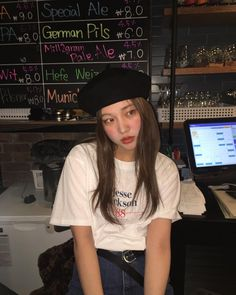 she is the kind of beautiful people would kill for Korean Aesthetic, Japanese Aesthetic, Aesthetic Girl, Aesthetic Grunge, Look Fashion, Korean Fashion, Pretty Korean Girls, Girl Korea, Ulzzang Korean Girl