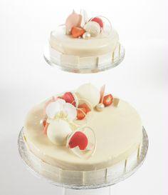 Bryllupskake Wedding cake by Sverre Sætre Vanilla Cake, Panna Cotta, Wedding Cakes, Ethnic Recipes, Desserts, Food, Wedding Cake, Pies, Dulce De Leche