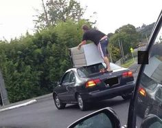 19 Weird And Crazy Things You See While Driving