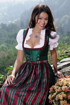 Sexy Dirndl Girls | 100 Hot Oktoberfest Girls, Cleavage and All