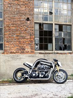 The Fleet Street motorcycle is a hybrid between naked bike, super bike and cafe racer.