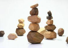 'Pile on Game' erzeugt aus Altholz stapelbare Steine - Wood Working Japan Design, Wood Games, Kids Wood, Montessori Toys, Wooden Blocks, Wood Toys, Wood Design, Handmade Toys, Wood Carving