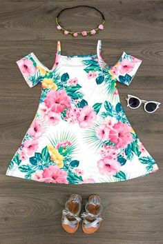 This beautiful hibiscus flower dress is absolutely stunning! Cute Outfits For Kids, Toddler Girl Outfits, Baby Girl Dresses, Toddler Fashion, Baby Dress, Kids Fashion, Kids Clothes Sale, Cute Baby Clothes, Doll Clothes