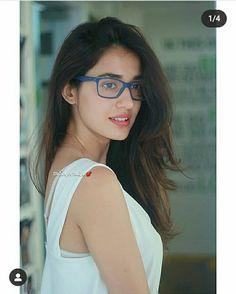 Most Beautiful Bollywood Actress, Indian Bollywood Actress, Bollywood Girls, Beautiful Indian Actress, Beautiful Actresses, Indian Actresses, Disha Patani Photoshoot, Disha Patni, Beautiful Girl Body