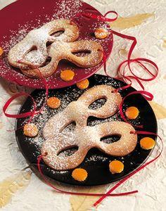 Si avvicina il #Carnevale , la festa più allegra dell'anno caratterizzata da maschere, scherzi, colori e naturalmente da i suoi DOLCI e...quanti ne avrete da preparare nella vostra #CucinaVismap!!! Ma quali sono i dolci più famosi del carnevale? Ecco la nostra TOP TEN Vismap Cucine!  1.Le Frittelle ripiene alla crema 2.Le Frappe 3.Le Castagnole 4.Le Frittelle di mele 5. Le Castagnole di ricotta 6. Le Chiacchiere 7. Le Graffe 8. I Ravioli dolci 9. I Crostoli 10.Le Fritole di Carnevale