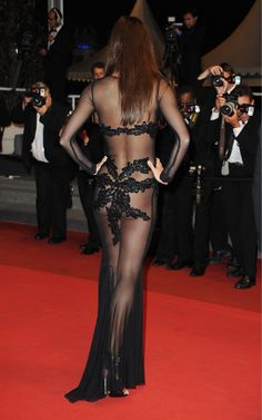 candice-bouchers-seethrough-dress-9.jpg (1500×2397)