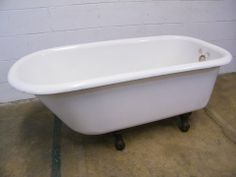 Columbus Architectural Salvage - Cast Iron Claw Foot Bathtub